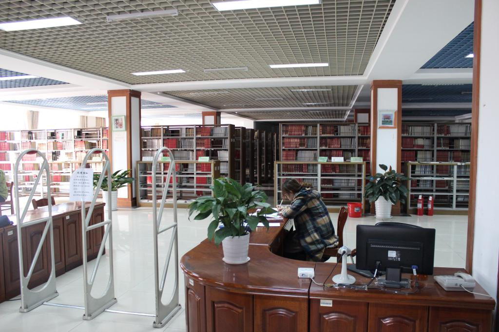 一樓西閱覽室